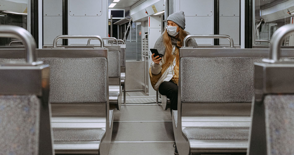 Worker in the subway during the Covid-19 outbreak